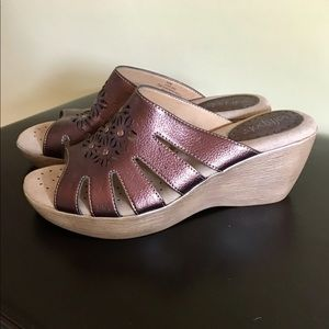 Softspots Shoes - NEW Leather Softspots Wedge Sandals 7.5M